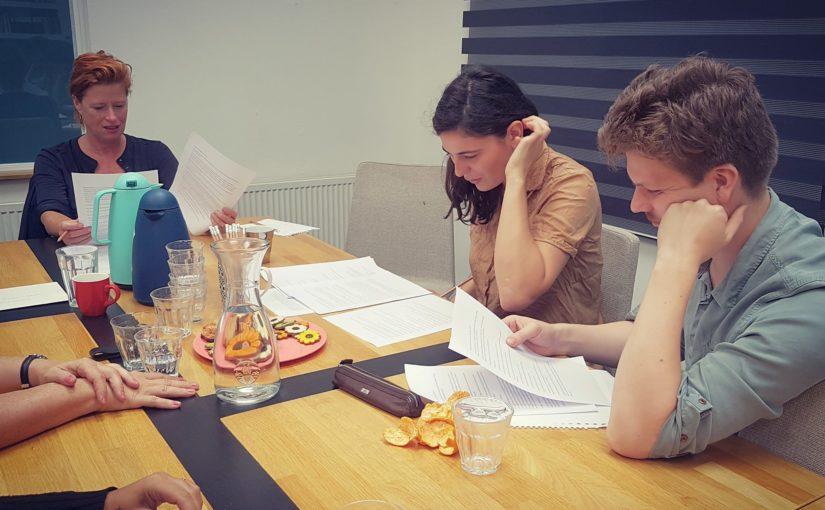 vlnr Oda Spelbos, Belle van Heerikhuizen, Tjeerd Posthuma (c) Toneelschuur Producties